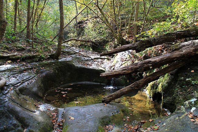 Buffalo Point: Indian Rockhouse Trail – 3 mi photo